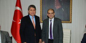 Kırıkhan 'dan Rektöre Tam Destek