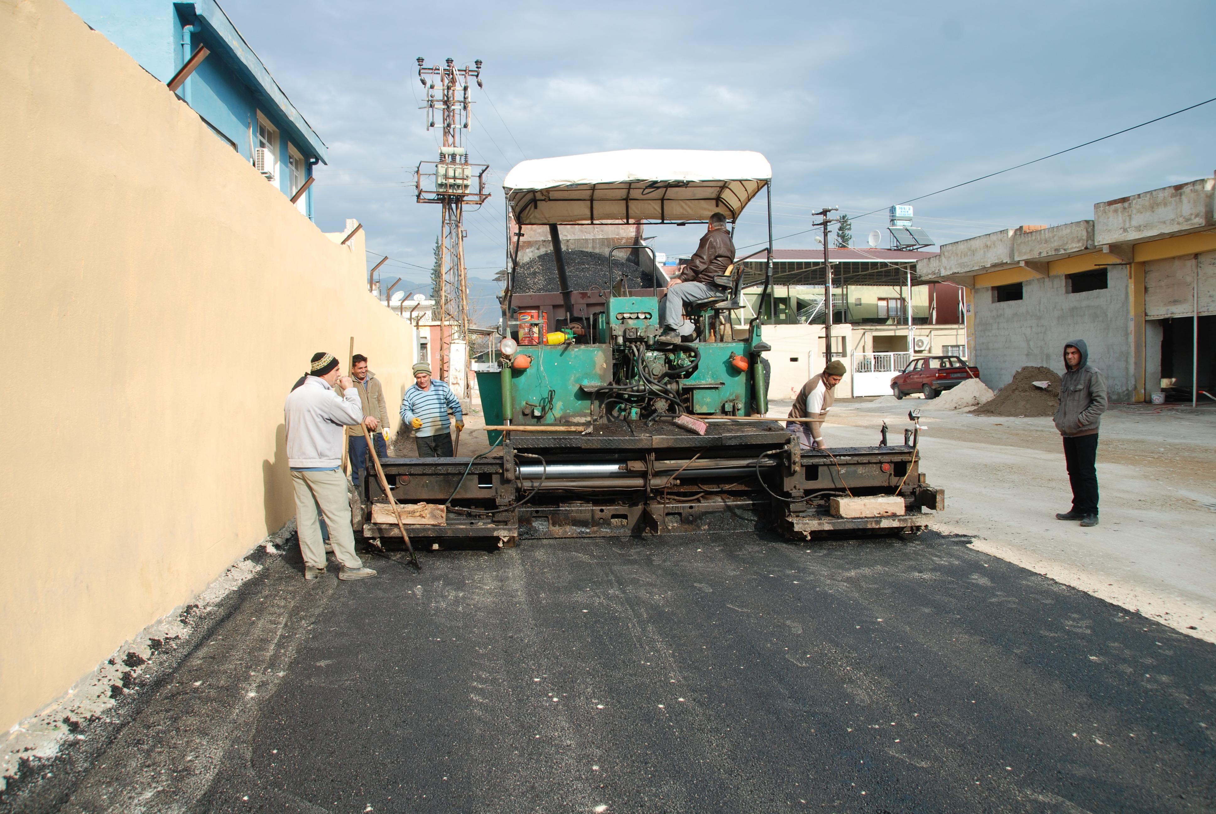 Belediye Asfalt Çalışması Devam Ediyor