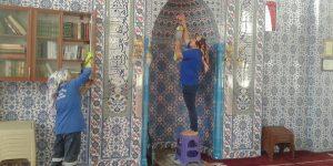 Kırıkhan'da Camilerde Ramazan Temizliği